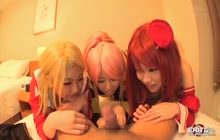 3 cosplayers giving head
